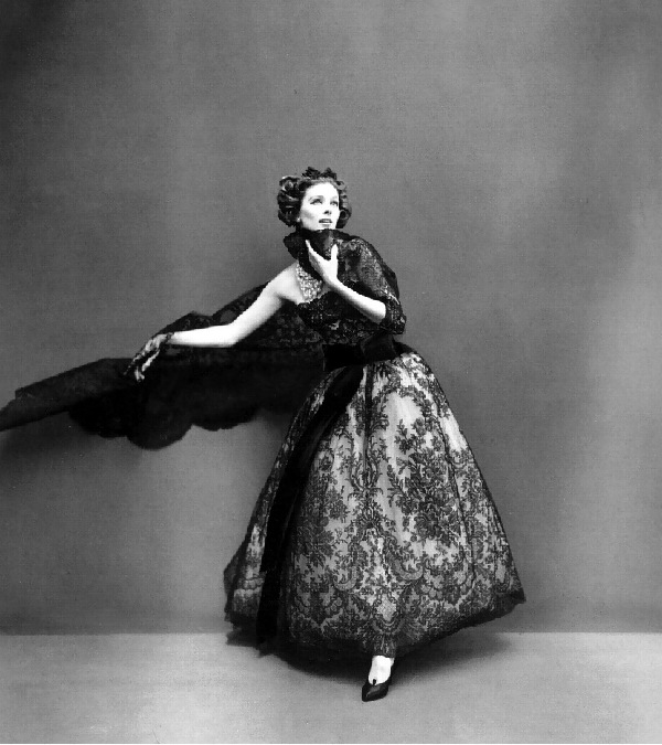 suzy-parker-in-diors-sumptious-evening-gown-of-black-chantilly-lace-over-pale-chiffon-with-black-velvet-streamers-and-lace-scarf-photo-by-avedon-paris-studio-august-1956