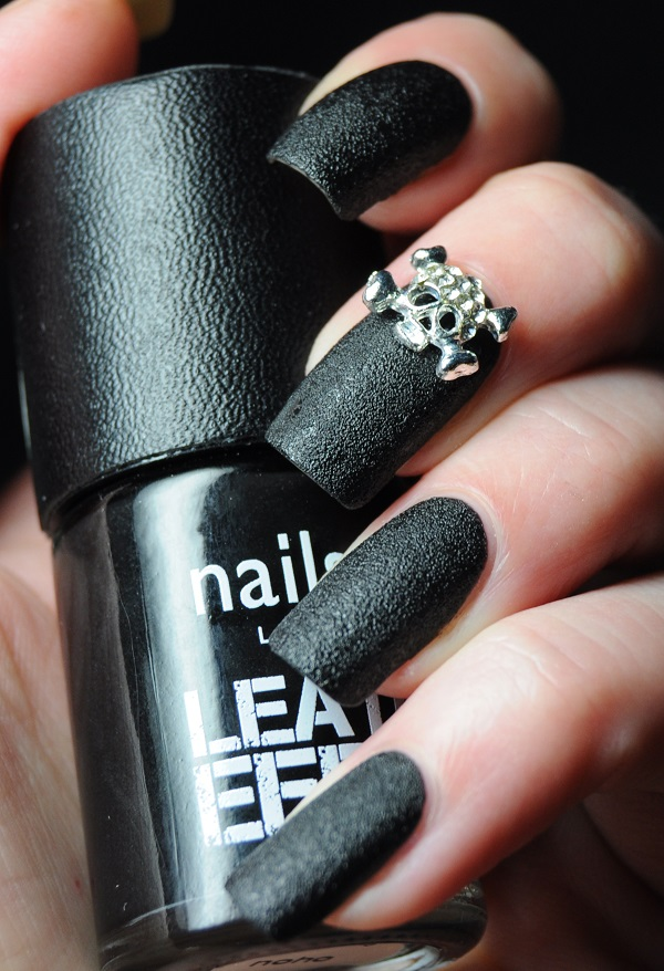 nails-inc-leather-effect-noho-1